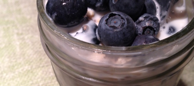 Easy Blueberry Overnight Oatmeal